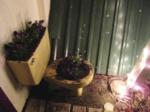 A little décor near the front door. LOVE IT.
