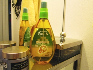 This oil defies the dryness of the desert without leaving you greasy. LOVE IT.