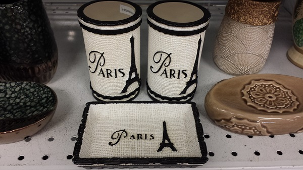 The Eiffel Tower on bathroom accessories.