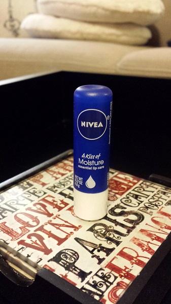 Nivea A Kiss of Moisture Essential Lip Care
