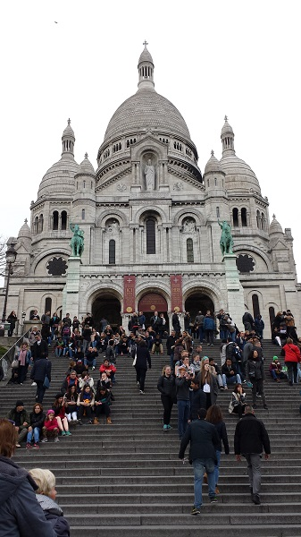 Le Sacré-Coeur. Beautiful Roman-Byzantyne architecture on the hill of Montmartre.