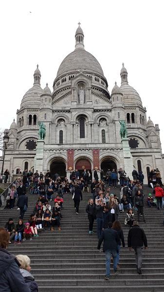 Le Sacré-Coeur. Beautiful Roman-Byzantyne architecture on the hill of Montmartre.