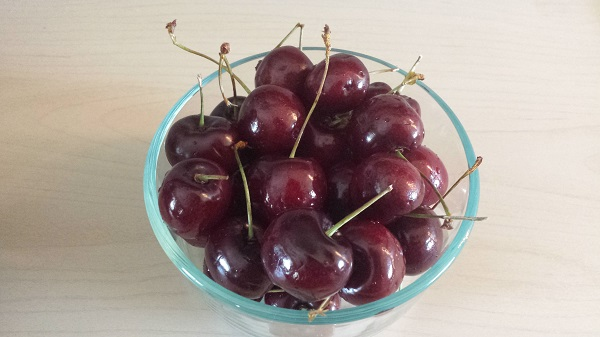 Fresh sweet cherries!
