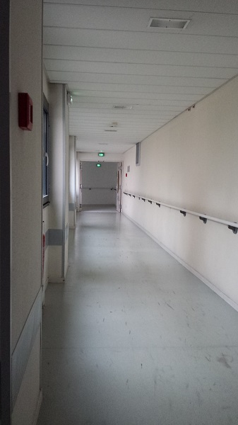 Yet another deserted hallway