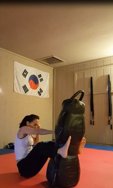 Stabilizing the bag with your legs is half the work