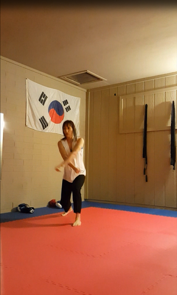 Double-fisted groin block