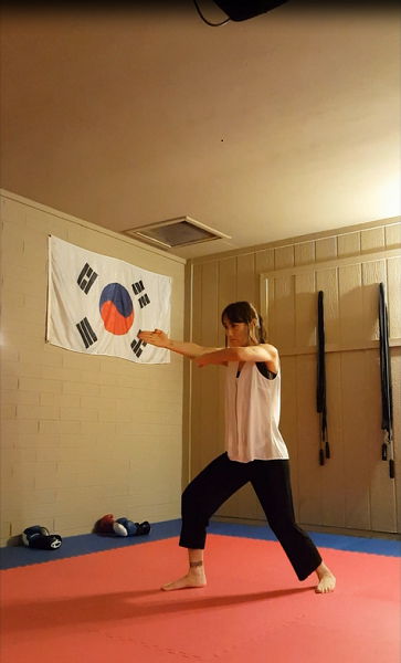 Thrust attack with spear hand.