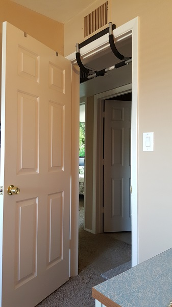 Door-frame (pull-up bar overhead)