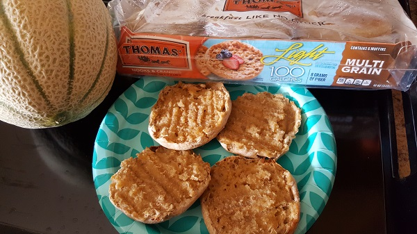 Thomas' English Muffins Light Multi-Grain